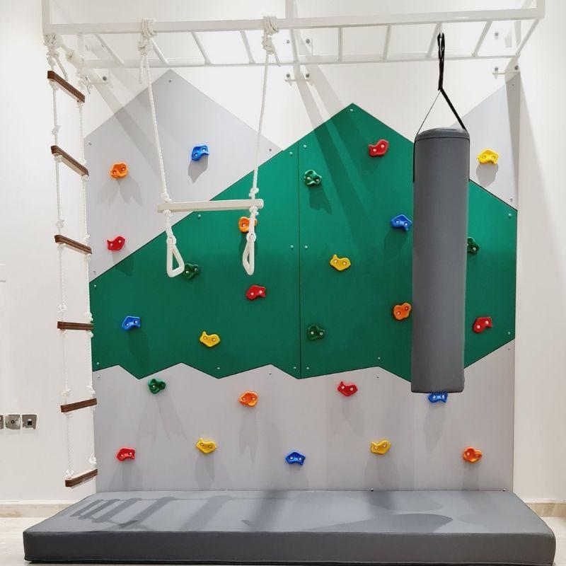 Mountain Climbing Wall - Medium 1