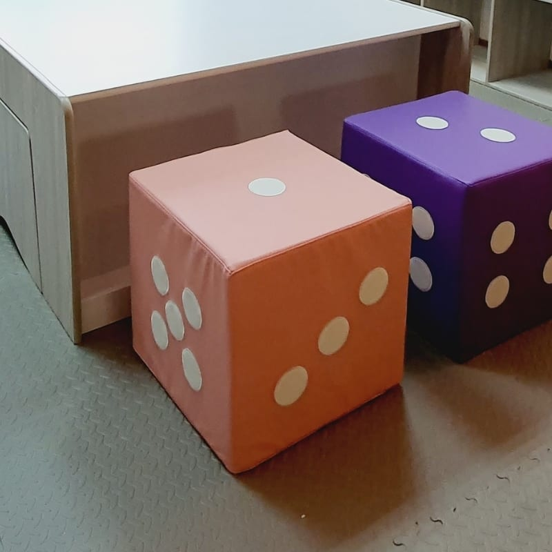 Giant Dice Seat Pink