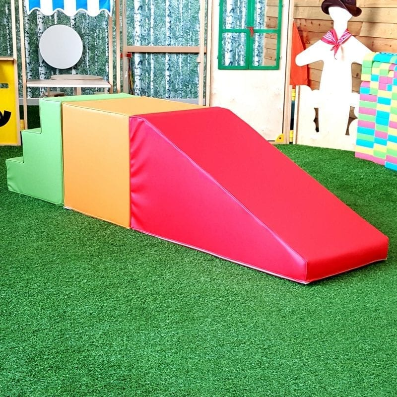 Softplay ramp with stairs