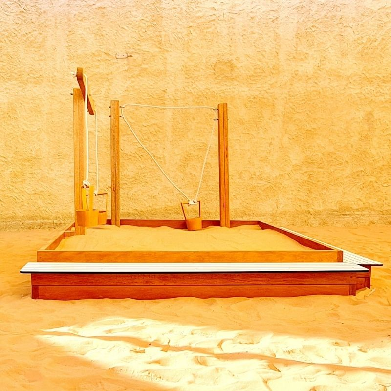 Sandpit with Steps & Weighing Scales