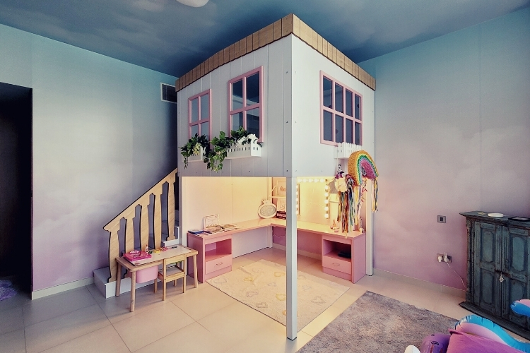 Bedroom for Sara