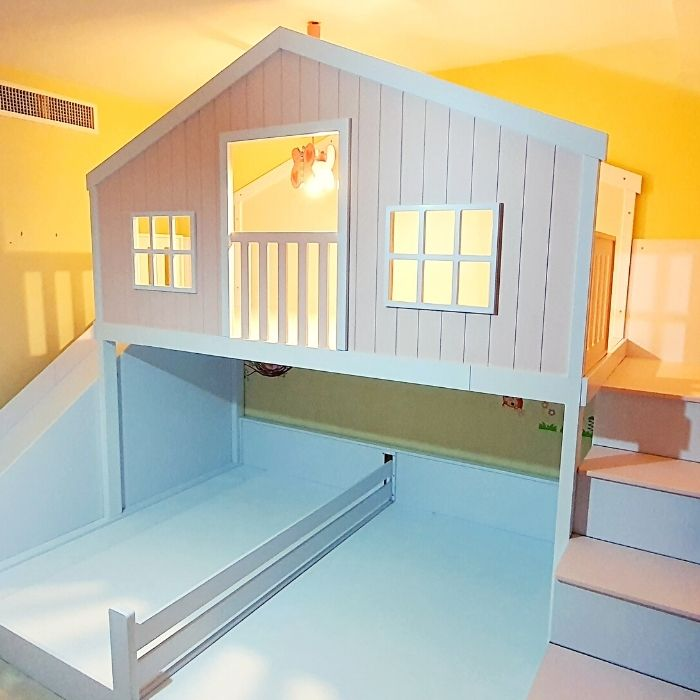 Treehouse Play Platform with Two Beds