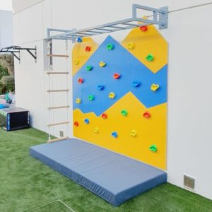 Outdoor Mountain Climbing Wall - Medium