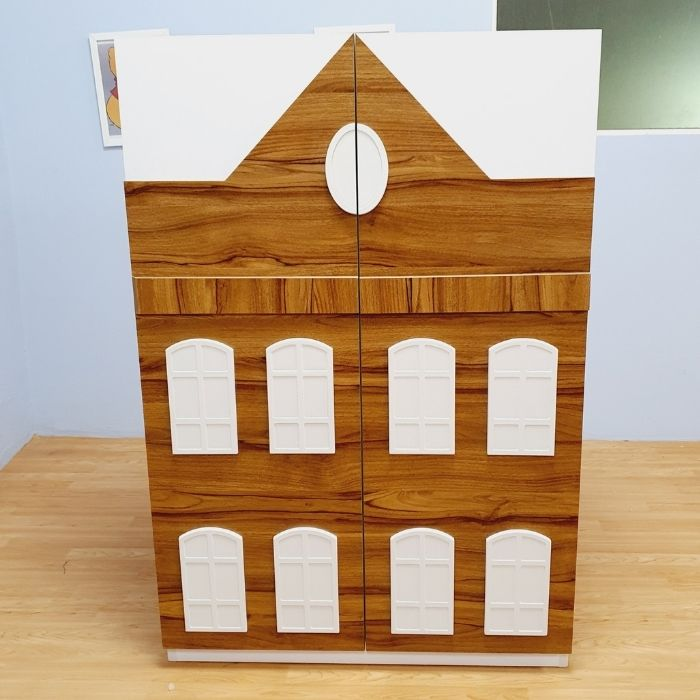 Dolls House Cupboard x 1