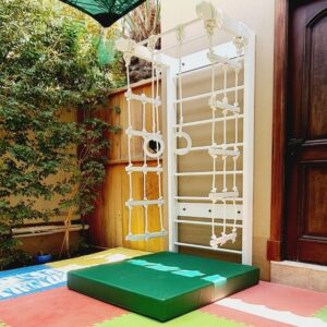 Outdoor Swedish Wall with Rope Ladder, Rings and Swing