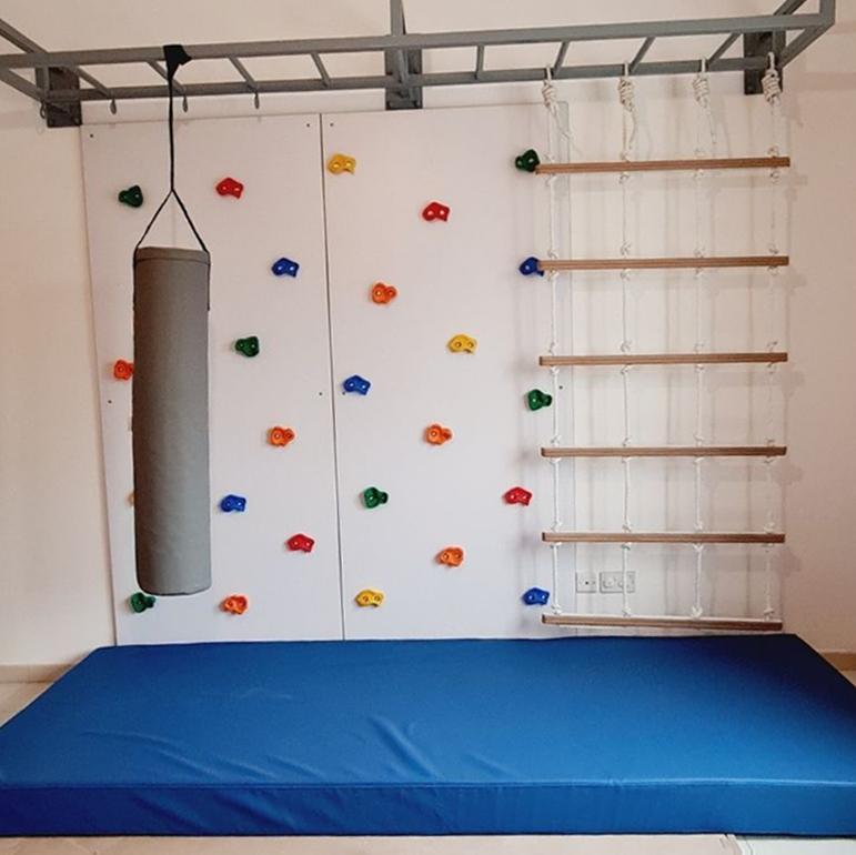 2 Panel Climbing Wall with Monkey Bars & Cargo Net 11